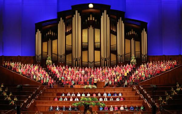 Capacity congregation fills LDS Conference Center for General Women's Meeting | Deseret News