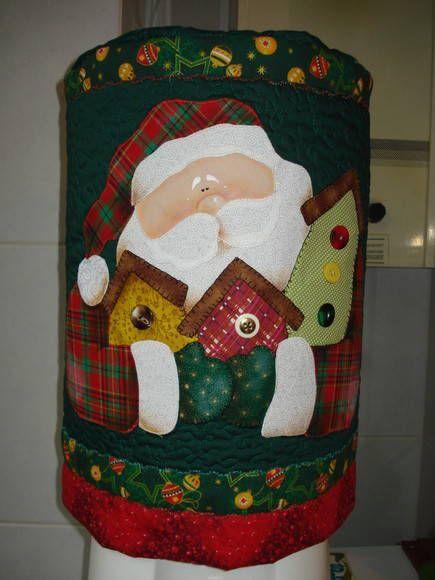 Capa de patchwork com motivo de natal. Forrado com manta acrilica.  esta capa é para 20 litros, mas posso fazer para galão de 10 litros. Solicite R$ 65,00