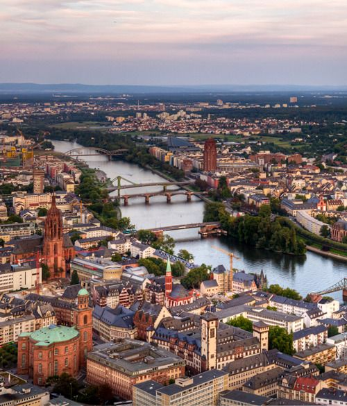 Main, Frankfurt, Kirchen, Historik ...eine bunte Mischung.  #Germany #Frankfurt