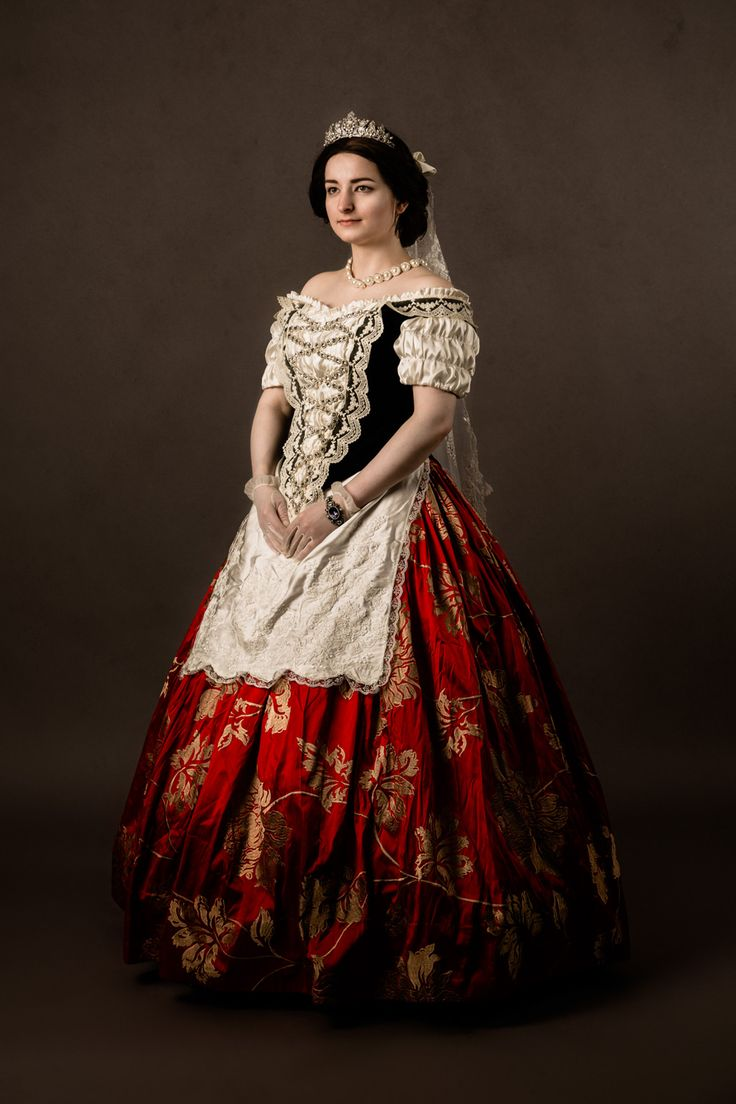 Many many thanks to Barbara Asboth Photography to make these stunning photos of my Sisi Hungarian dress