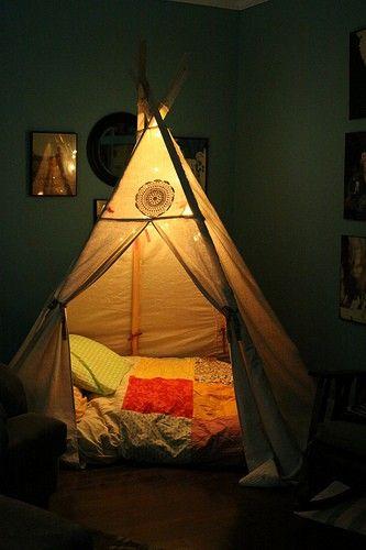teepee bed, so fun: Kids Beds, Living Rooms, Boys Bedrooms, Boys Rooms, Tent, Teepees, Slumber Parties Ideas, Indoor Camps, Kids Rooms