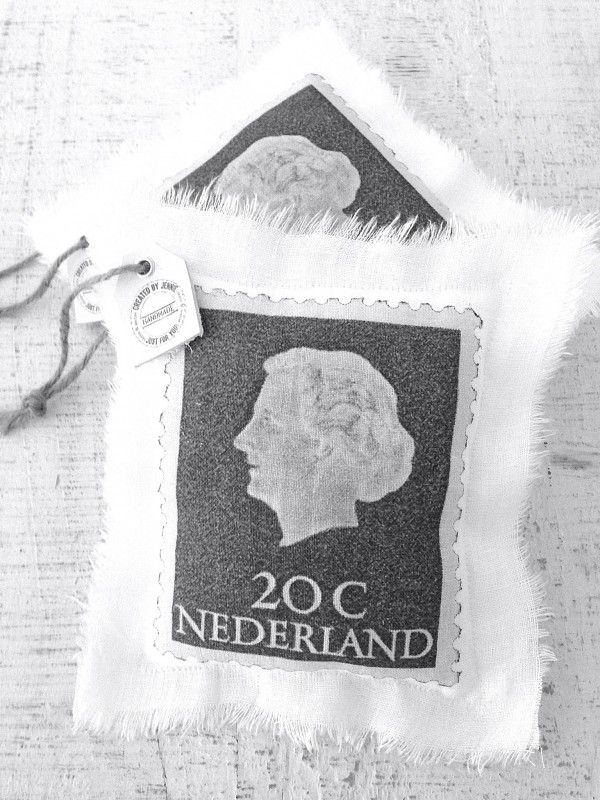 Inspiration: linnen pillow vintage postage stamp `Juultje` (Dutch queen Juliana) from Created by Jennie. Size 20x17cm.