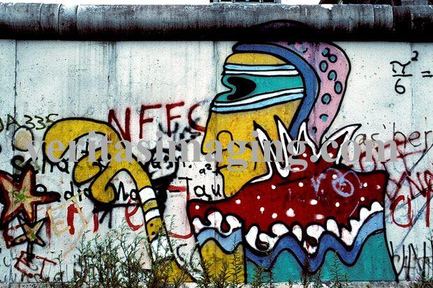 berlin-wall-art-political