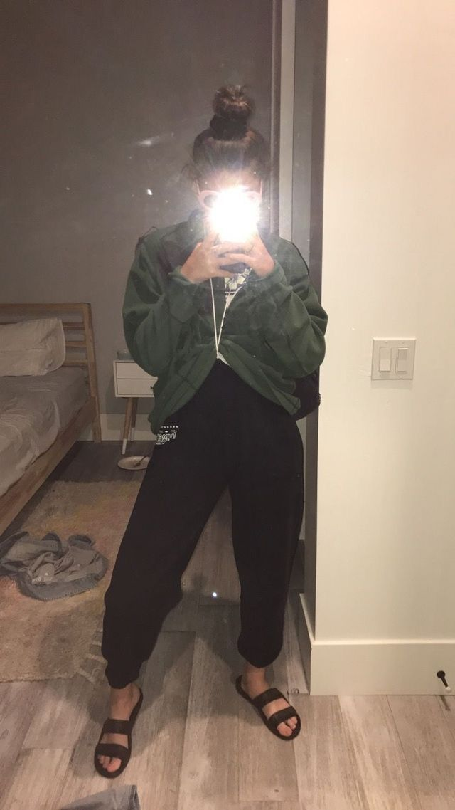 xoslump//♥︎ | Mirror pic, Girl pictures, Instagram