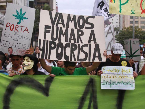 A legalização da maconha pode mudar o Brasil.  A quem interte$$a marginalizar a maconha?!