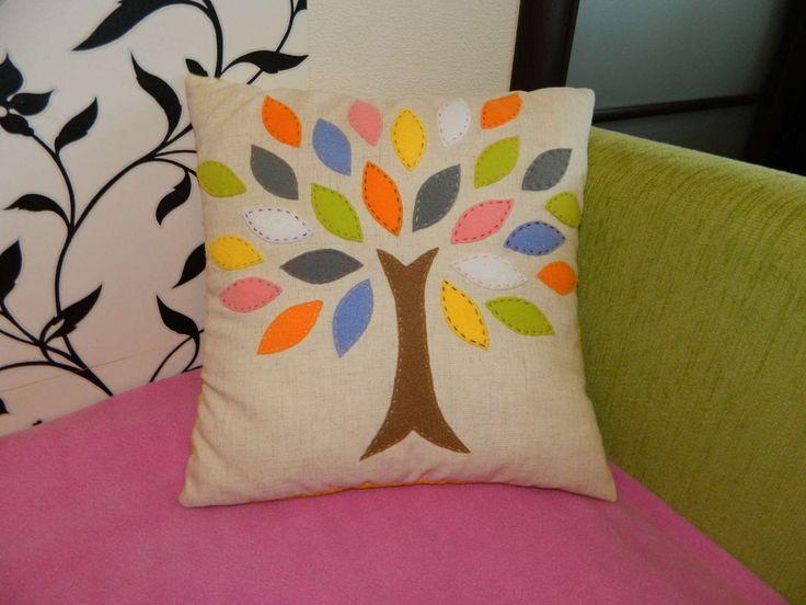 Уникальные декоративные подушки в интерьере
