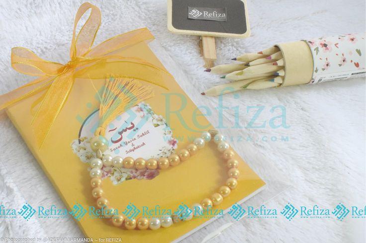 Yeay ada paket souvenir baru Refiza, souvenir yasin tasbih dengan harga hemat Rp 20.000,-. Paket souvenir sudah termasuk kemasan mika, stiker dan pita
