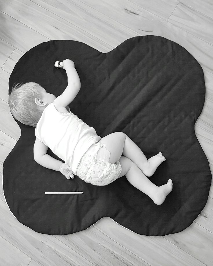 Newly released Kiss playmat!  1m x 1m, perfect sized for little ones to play. Little Swan Designs.