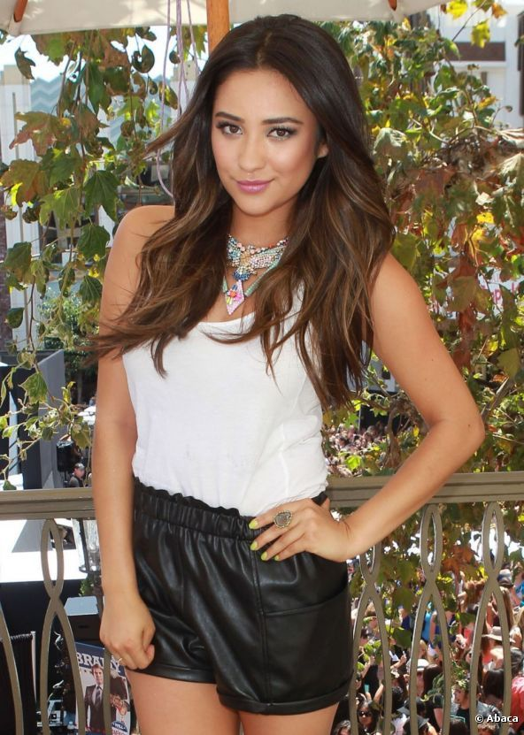 Shay Mitchell, Ombre Hair