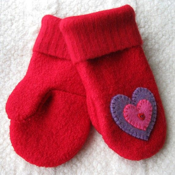 Valentine Heart Felt Mittens for Kids Upcycled by FeltSewGood