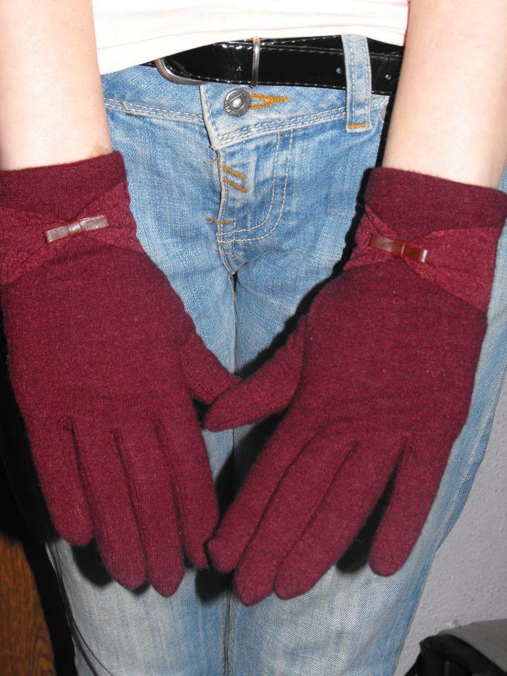 http://www.zaful.com/bowknot-lace-touch-screen-gloves-p_11828.html?blog=deyutza87