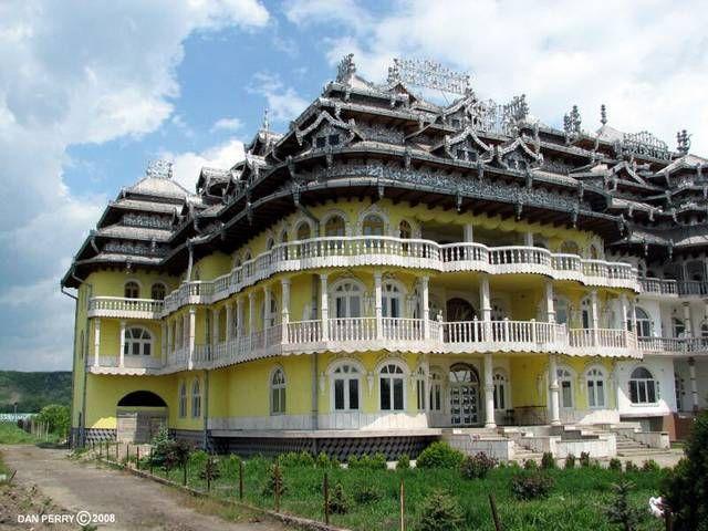 gypsy houses, Romania