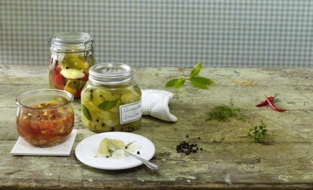 Unser beliebtes Rezept für Scharfes Tomaten-Zucchini-Chutney und mehr als 55.000…