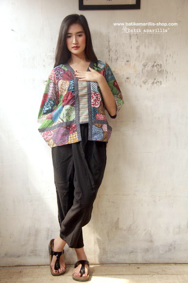 Batik Amarillis's Quirky Sugar & Spice (Rainbow Crackers) Proudly presents Batik Amarillis's quirky and modern version of Sugar & Spice it's quirky & modern Javanese's traditional women blouse inspired ... 'Rainbow Crackers blouse' we designed and launched it about 4 years ago,now we revamped it and it came back for extra comfy and quirkiness!!