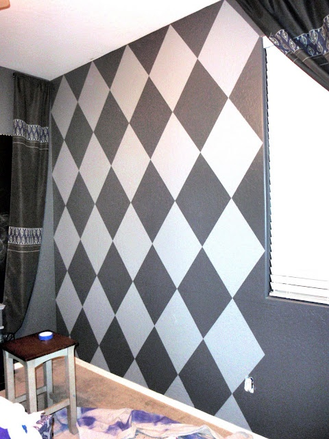 Doodle all day how to paint diamonds on the wall but - How to get diamonds on design home ...