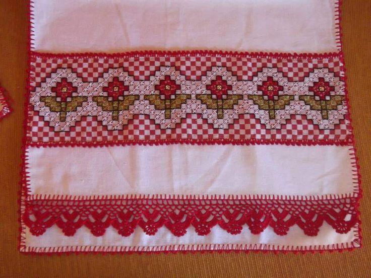 Bordado em tecido xadrez - Pano de Copa (Detalhes sobre o bordado... Visitar)