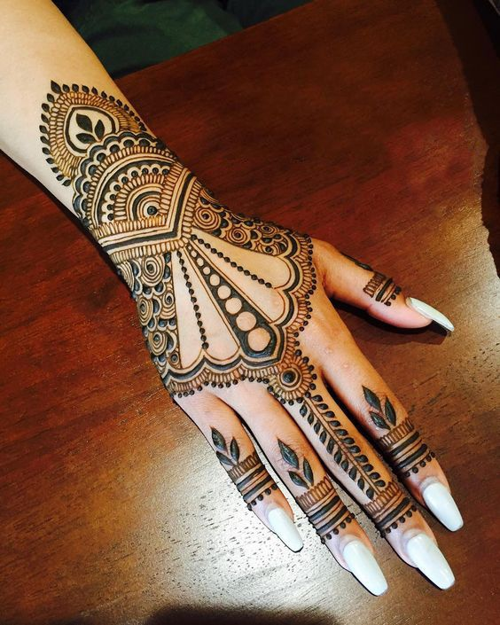 UNIQUE HENNA TATTOOS BECOME THE TREND IN SUMMER – Page 11 of 71