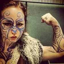 woad+skin+painting | love the woad pattern on her arm my try for that one, way to much on ...