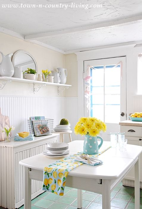 colorful spring daisies | My farmhouse kitchen seems so much happier when sunlight is streaming ...