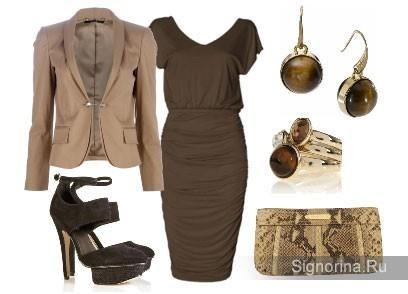 Коричневое платье чем носить
