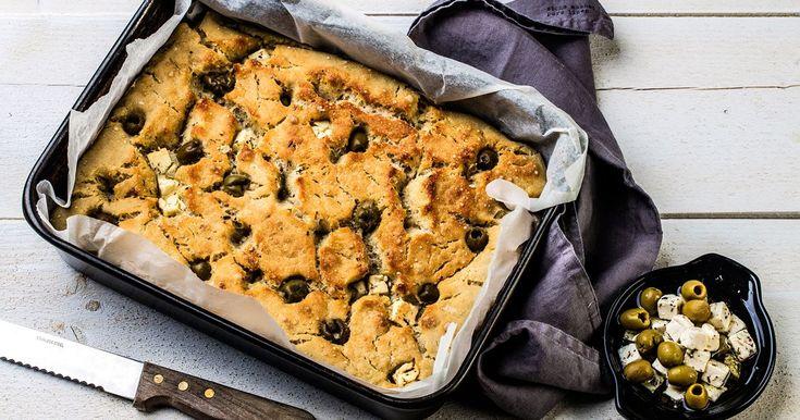 Focaccia on hyvä lisuke useimpiin ruokiin. Tarjoa focacciaa illallisen lisukkeena, tapasmenun osana tai suosikkidippisi kanssa.