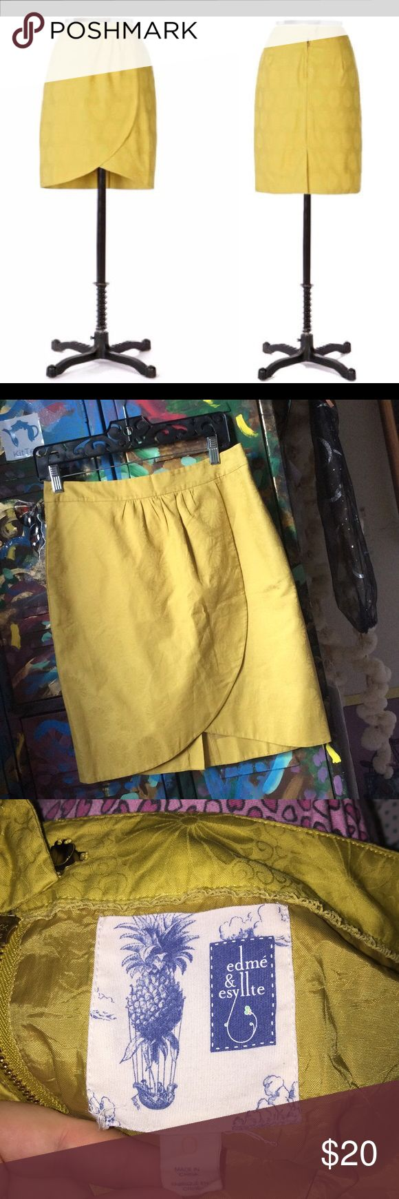 Mustard yellow floral print skirt Mustard yellow, floral print, perfect condition, great for all seasons (: Skirts Pencil