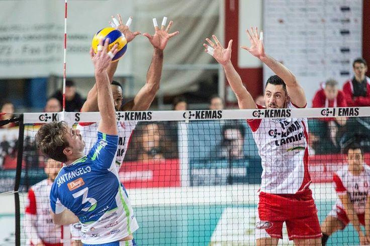 Toscana amara per la Sigma Aversa: la Kemas Lamipel Santa Croce vince 3-0 a cura di Redazione - http://www.vivicasagiove.it/notizie/toscana-amara-per-la-sigma-aversa-la-kemas-lamipel-santa-croce-vince-3-0/