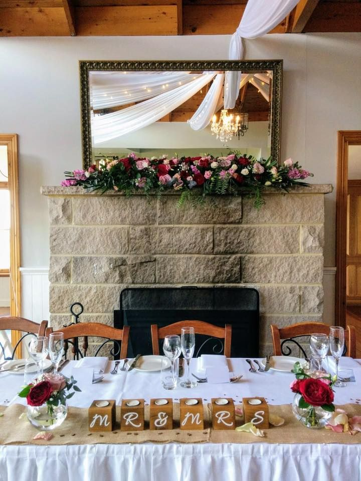mantle arrangement at Loxley on Bellbird Kurrajong, created by Lovely Bridal Blooms