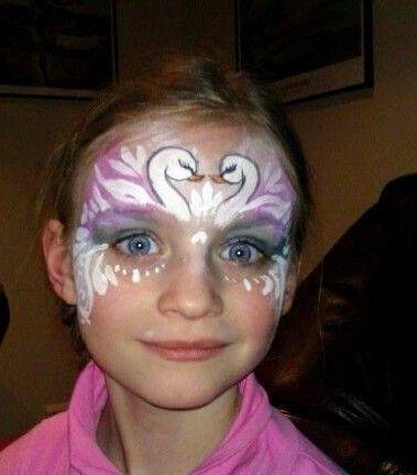 Face painting svan princess  by kerstin