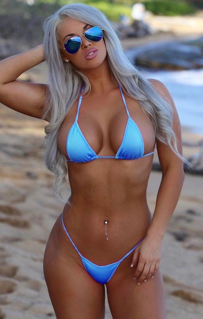 hot-bikini-shemale