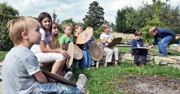 Lekce dějepisu o prázdninách není něco, kvůli čemu by děti jásaly. Kdyby ovšem neměly tak prdlé rodiče, kteří se neváhají co půlrok sejít, i...