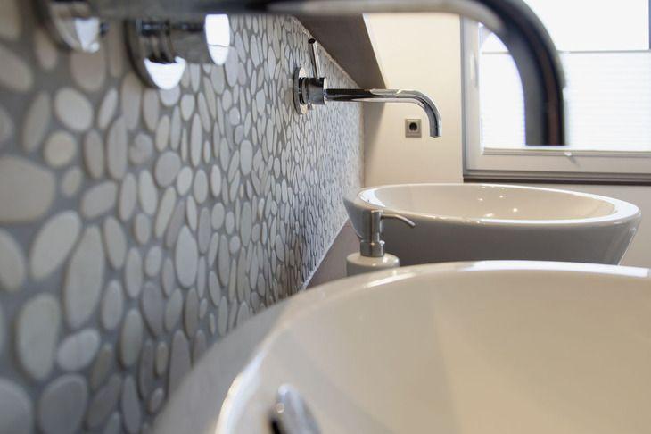 die besten 25 wandarmatur ideen auf pinterest wandarmatur bad echtholz waschtisch und beton cire. Black Bedroom Furniture Sets. Home Design Ideas