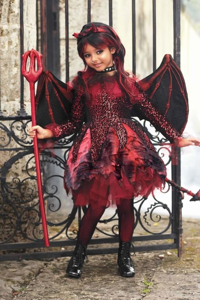 a1110a88cb42a costume de petite diablesse gothique composé d un robe à sequins et tulle à  jupe tutu