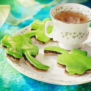 Irish Black Bun Shamrock Cookies Serve these fruit-and-spice-filled cookies on New Year's to ensure an extra measure of Irish luck in the coming year.