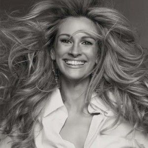 Julia Roberts-Serge Normant to the rescue. Celebrity Stylist