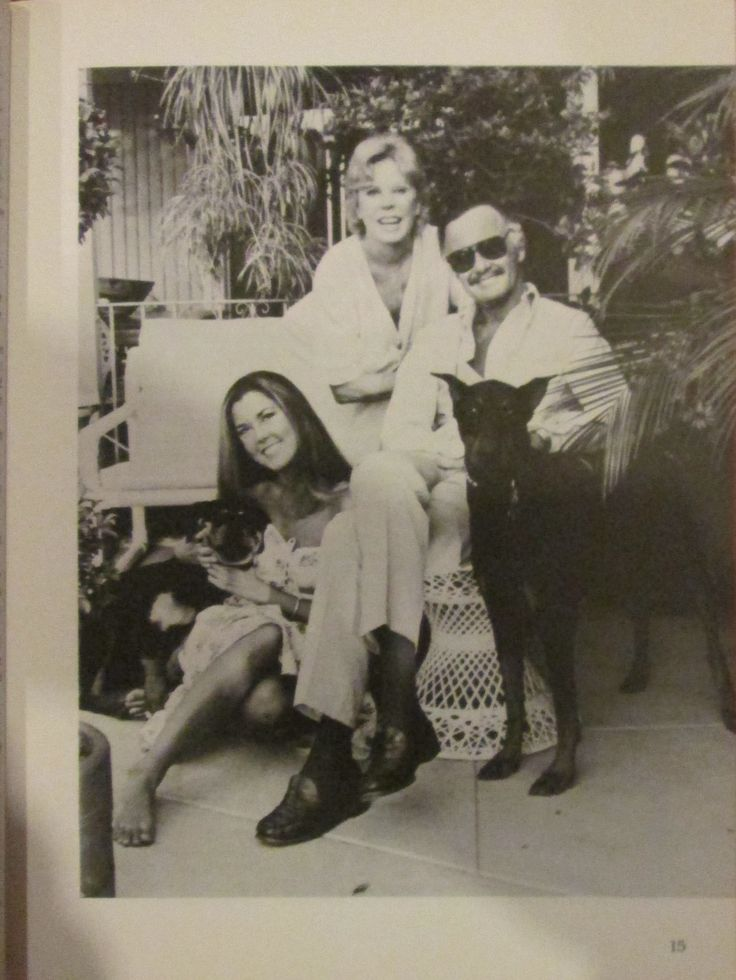 Stan Lee wife Joanie daughter Joanie Dudley the Doberman and Vera Valiant the Rottweiler c. 1986