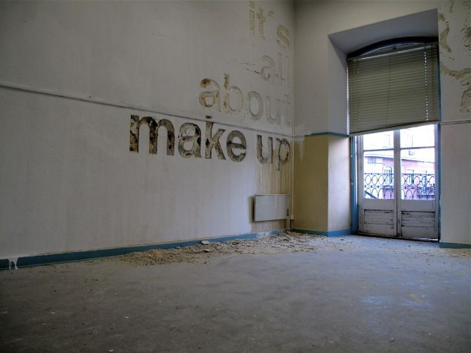 Scratched walls by Alexandre Farto, a.k.a. Vhils