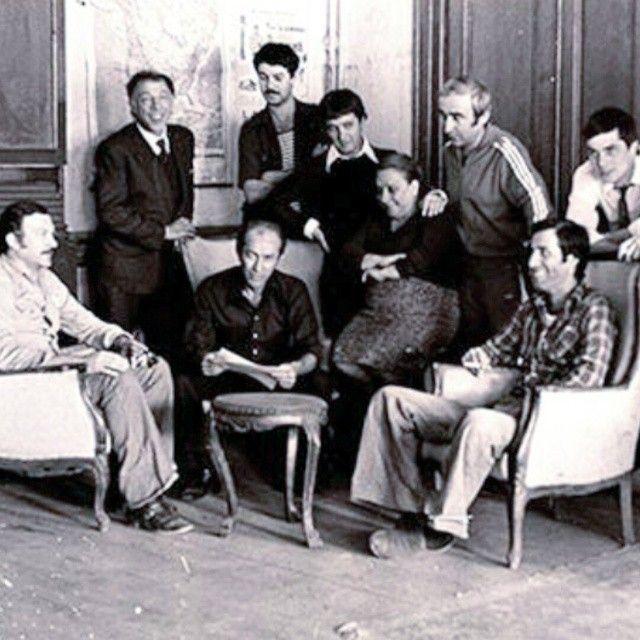 Hababam Sınıfı ekibi Ertem Eğilmez ile toplantıdalar..