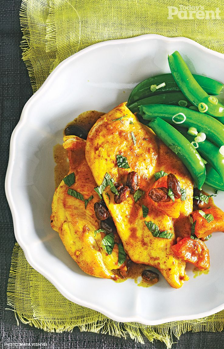 Quick & Saucy Moroccan Chicken with Sautéed Sugar Snaps (http://www.todaysparent.com/recipe/side-dishes/sauteed-sugar-snaps/) #TodaysParent #KidApprovedRecipes