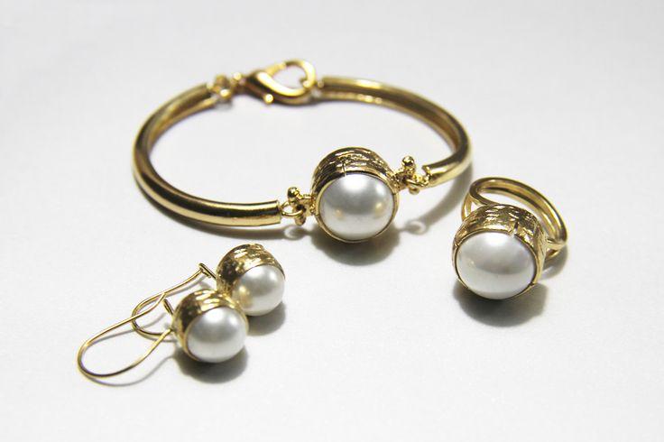 ring,bracelet,earrings isonjewellery