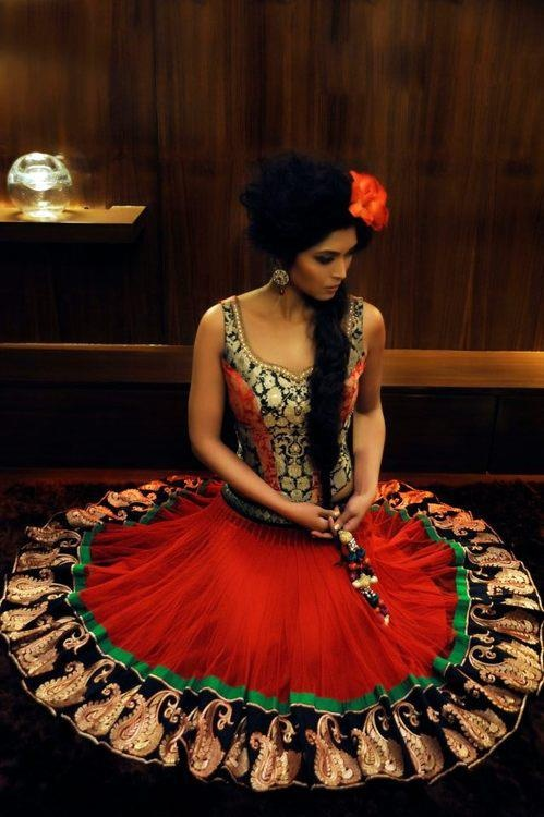beautiful absolutely love this...like this look/concept perhaps as a one-piece gown for the mehendi