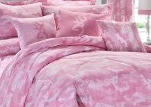 Buckmark Camo Pink Sheet Set | These Buckmark Camo Pink Sheets match our comforter set!