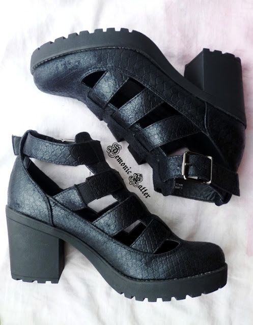 Demonic Ratter: Sinsay buty - czarne sandały na platformie