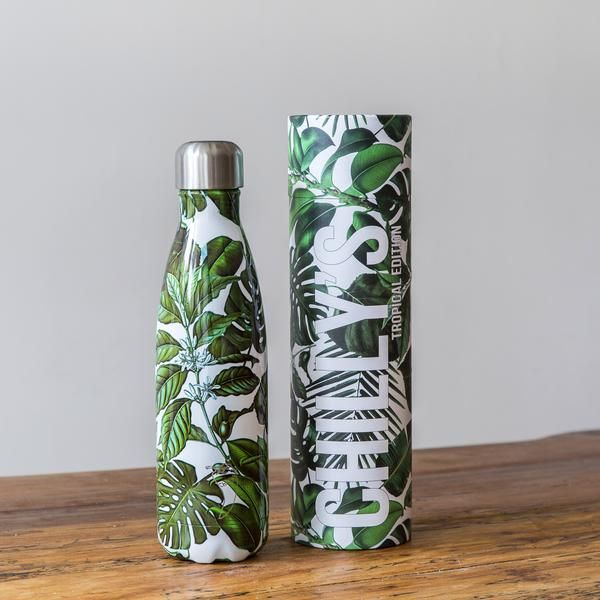 We're sorry the Tropical Edition Flamingo is now out of stock. We expect it to be back w/c 24th July. Please sign up on the left to be notified when it is ready to ship! Features  24 hours cold - whatever the weather 12 hours hot Leak - proof Preserves flavour & freshness No condensation BPA - free   Specs   500ml - 0.36kg - 26cm x 7cm Made from high-grade 304 stainless steel, both inside and out Constructed with double wall vacuum insulation Screw close lid for an airtight a...