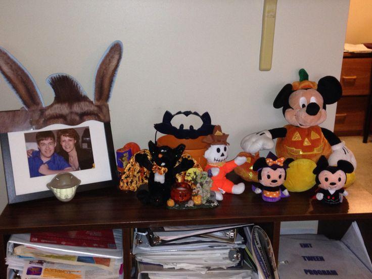 Small Bookcase Halloween 2015