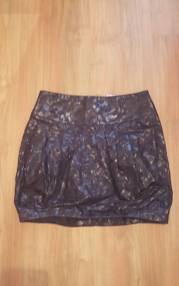 Womens Rive Island Skirt Waist Size 8 Lightweight