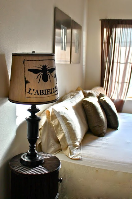 diy lamp shade - idea to use the burlap bags of beans I brought back from Spain as lampshades? buy a blank lamp shade and glue the bags to make small lamps for the kitchen!!!! or even the breakfast nook!