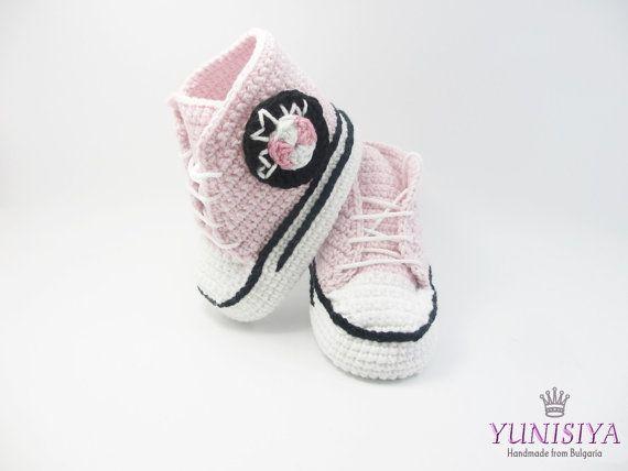 Rose au crochet chaussons converse, chaussures de bébé au crochet, converse fille bébé, cadeau de naissance fille BB117