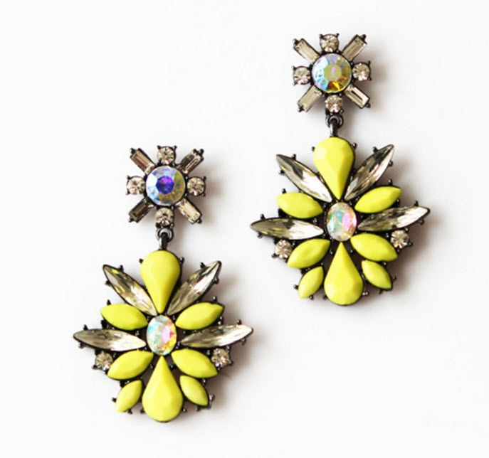 Sevana: These earrings look even better in person. The yellow is a vibrant neon that will make your outfit pop in person and especially in photos.
