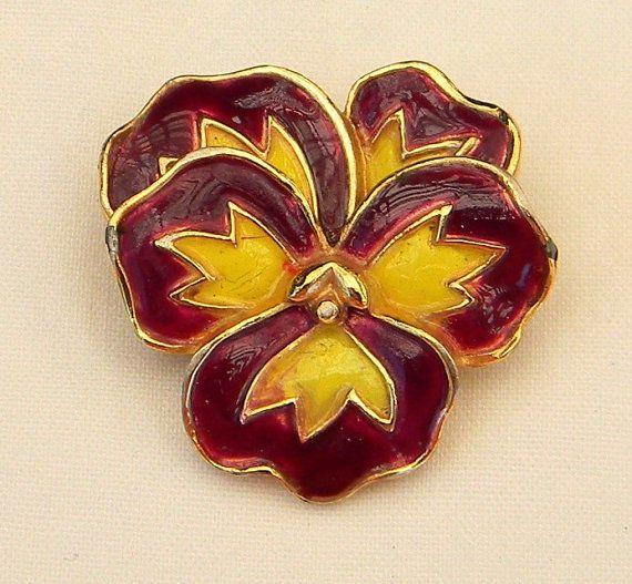 Vintage 1968 Crown Trifari Enamel Pansy Flower Figural Brooch Pin